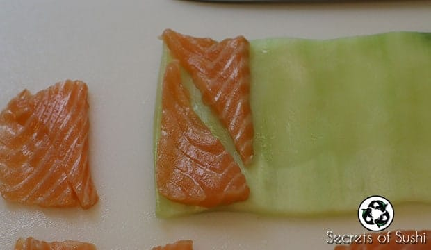 Sliced salmon on katsuramuki peel