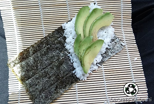 How to Pack Sushi for Lunch: Step 2
